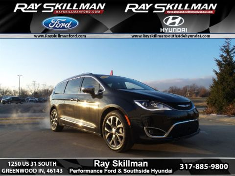 Pre-Owned 2017 Chrysler Pacifica Limited FWD Minivan